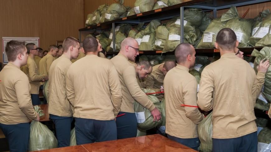 В первый день октября в России начинается осенняя призывная кампания,солдат, призыв, призывник, срочник, армия, военный, вещмешок, ,солдат, призыв, призывник, срочник, армия, военный, вещмешок,