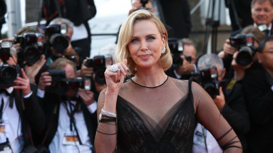 Актриса Шарлиз Терон рассказала правду о настоящей смерти своего отца
