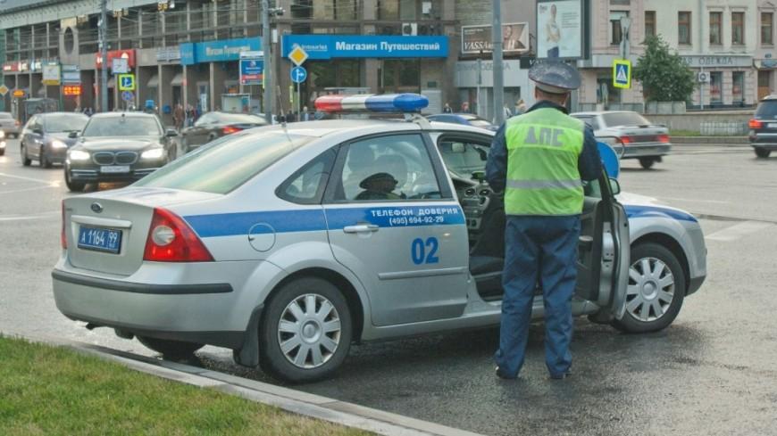 Автомобиль полиции сбил байкера на Ломоносовском проспекте