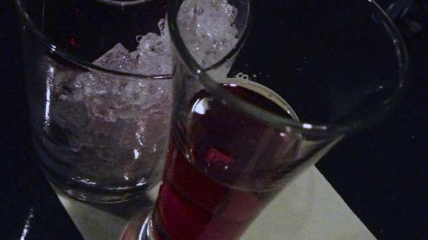 Троих из пяти отравившихся алкоголем в Подмосковье госпитализировали