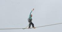 Два часа над пропастью: немец установил рекорд в слэклайне