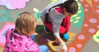В День защиты детей малышам в Кишиневе бесплатно раздали мороженое