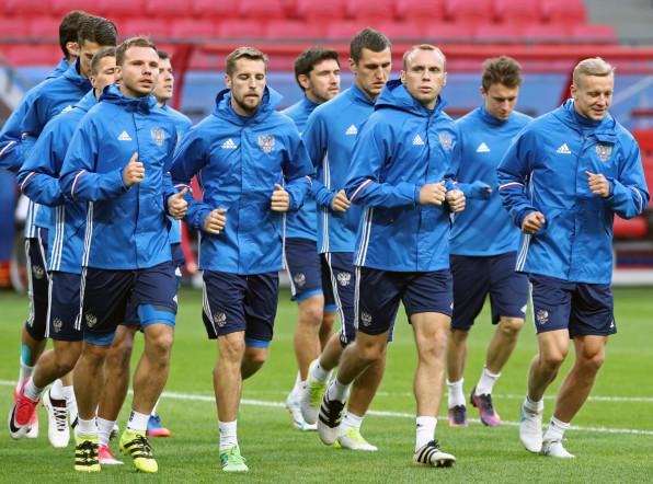 На Кубке конфедераций решится судьба сборной России