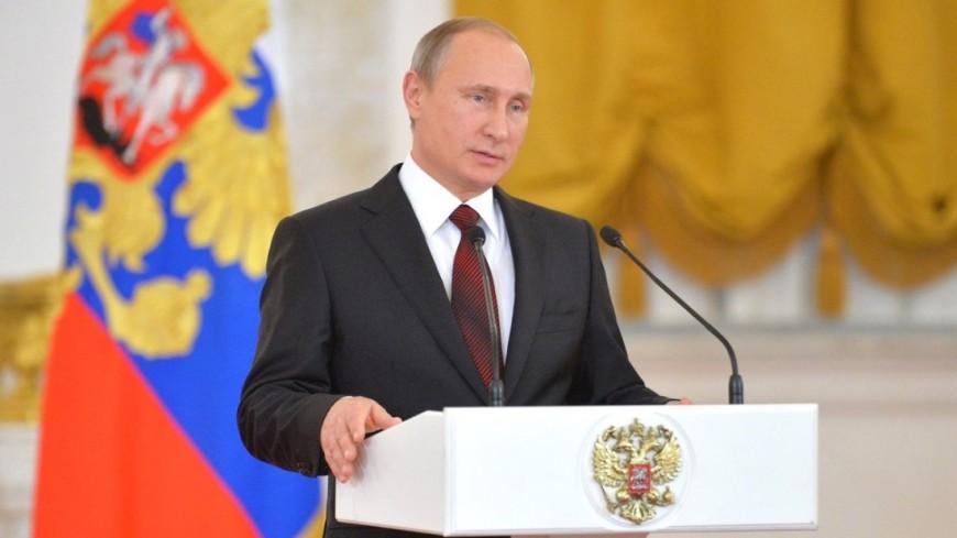 Самыми выдающимися личностями вистории являются Сталин, Путин, Пушкин иЛенин— Опрос