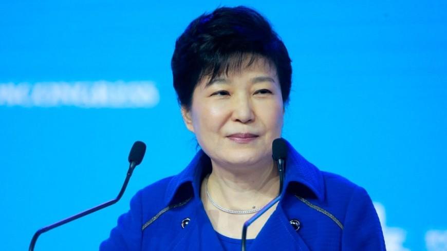 Приятельницу экс-президента Южной Кореи приговорили ктрем годам тюрьмы