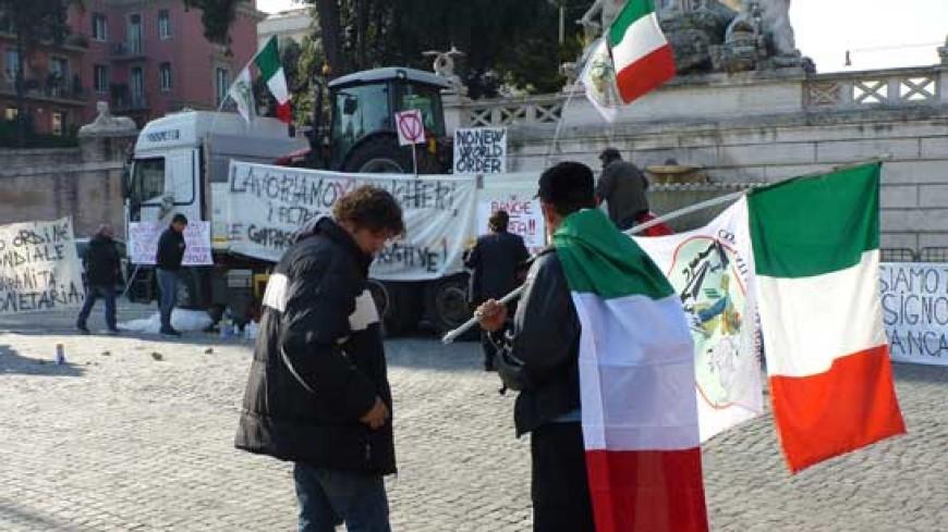 Митингующие в Риме потребовали защитить Берлускони от судебного произвола
