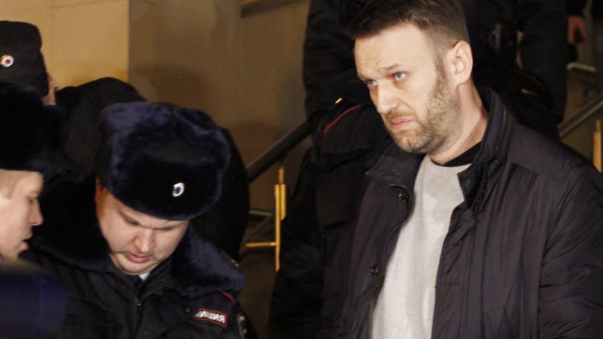Приставы привезли Навального в суд