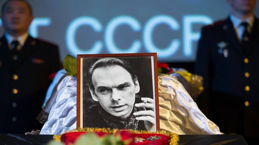 Алексей Баталов похоронен на Преображенском кладбище