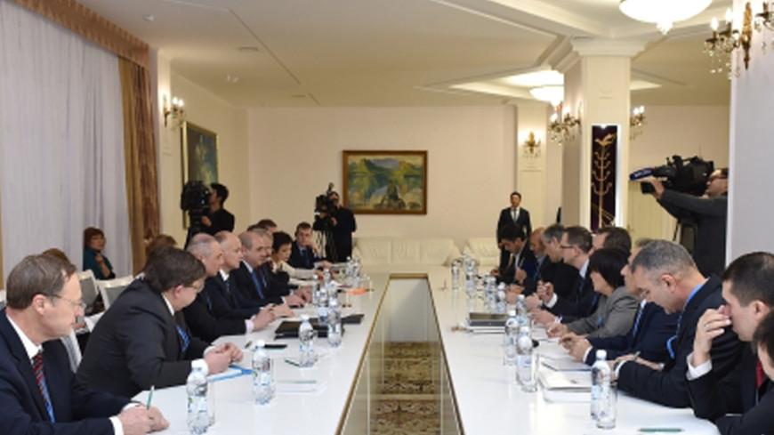 СМИ: Участники сирийских переговоров в Астане одобрили итоговый документ