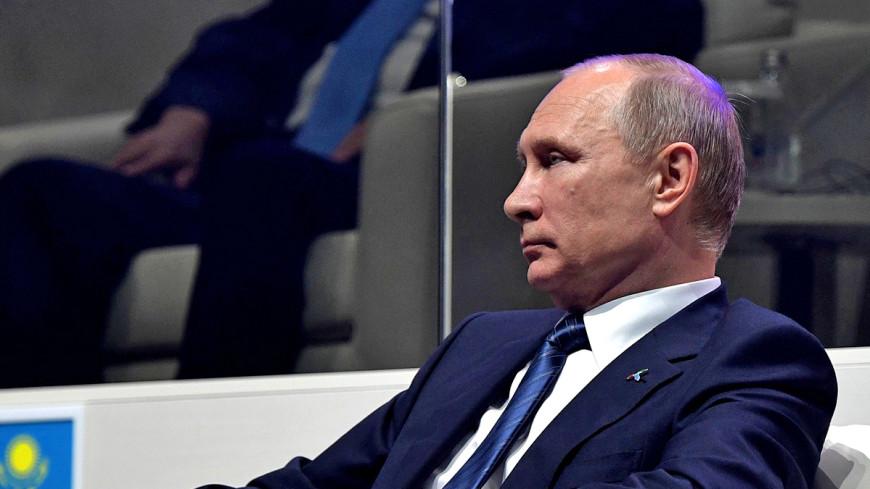 Путин выступил против использования школьников для мытья полов