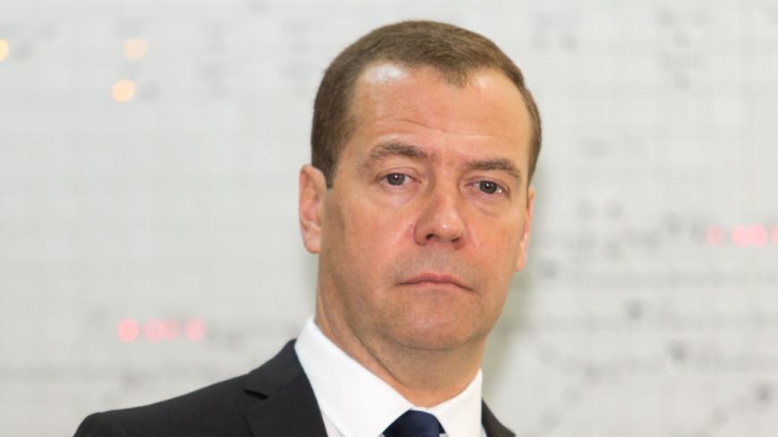 Медведев в кипе дотронулся до Стены Плача