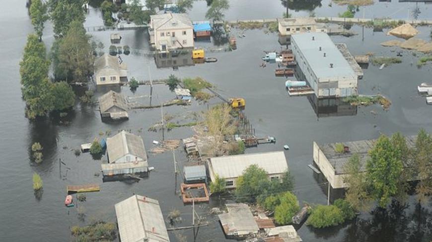 Число жертв наводнения в Техасе достигло 16 человек