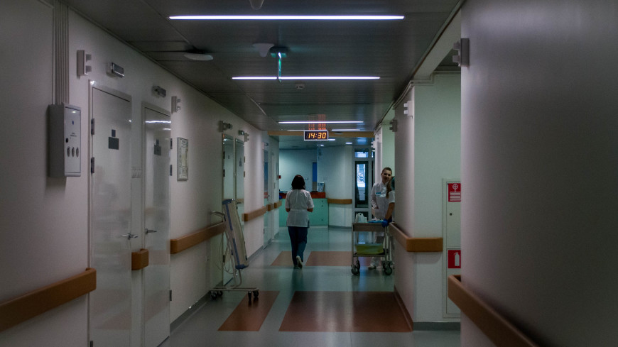 Из больницы выписана пострадавшая при взрыве в Петербурге школьница