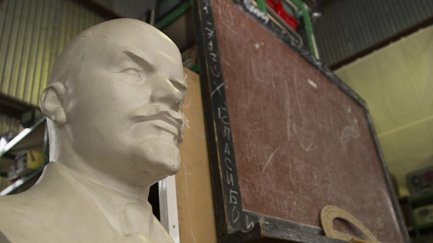 «Обезглавленная» статуя Ленина оказалась не памятником