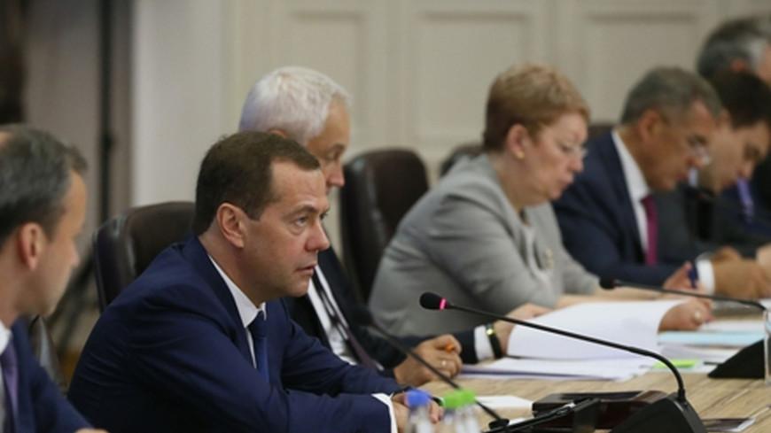 Медведев: Студенческие стартапы не приносят и 10% отдачи