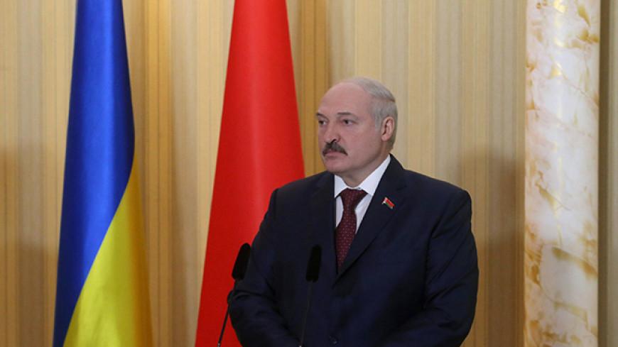 Лукашенко призвал провести грандиозный военный парад ко Дню независимости