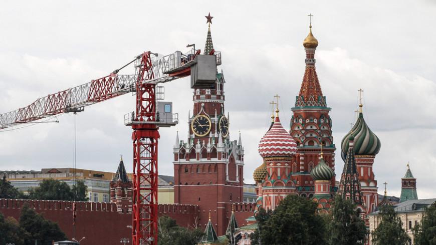 В парке «Зарядье» в Москве откопали загадочные древние топоры