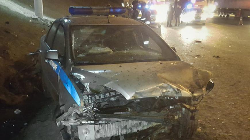 Полицейская машина попала в ДТП на юге Москвы