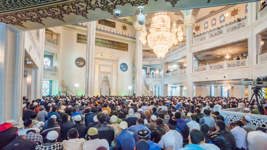 Без ссор и обид: мусульмане поздравляют друг друга с Курбан-байрамом