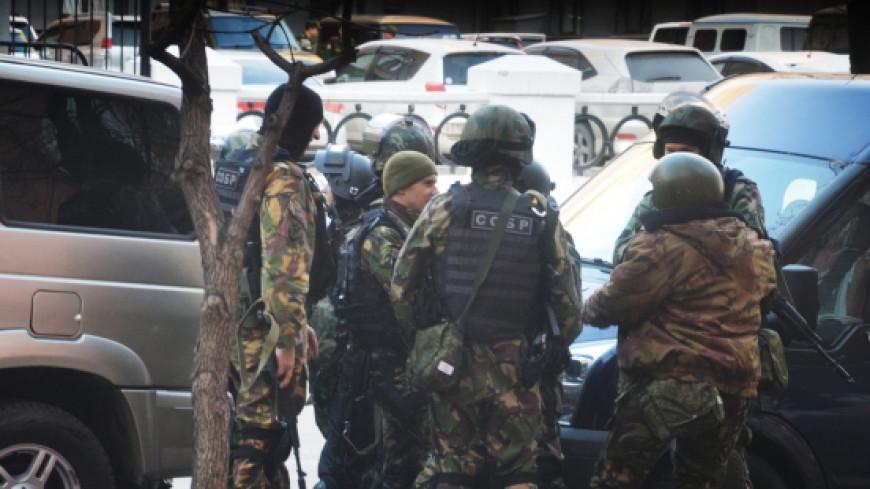 Очевидцы сняли стрельбу в приемной ФСБ Хабаровска на видео