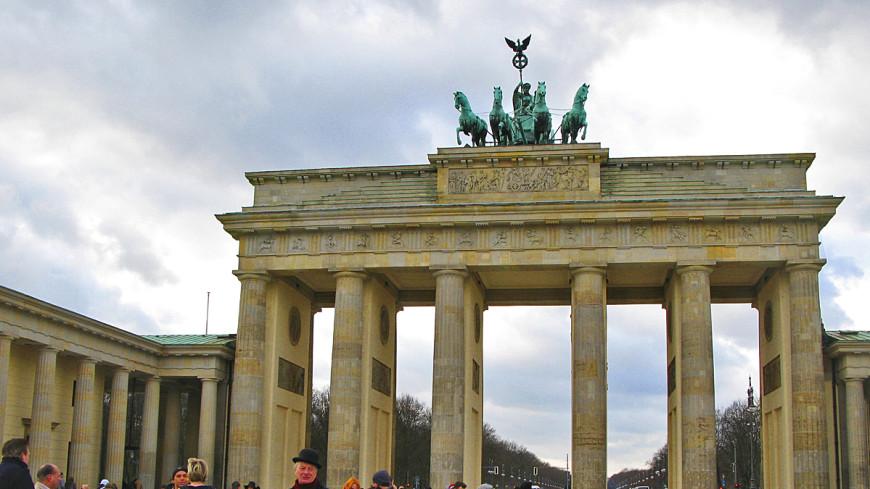 Берлинскую стену оградят забором