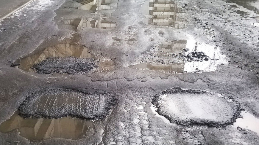 Обзор прессы: штрафы за плохой ремонт дорог выросли в 10 раз
