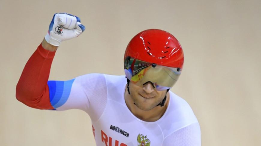 Российский велогонщик Дмитриев - чемпион мира