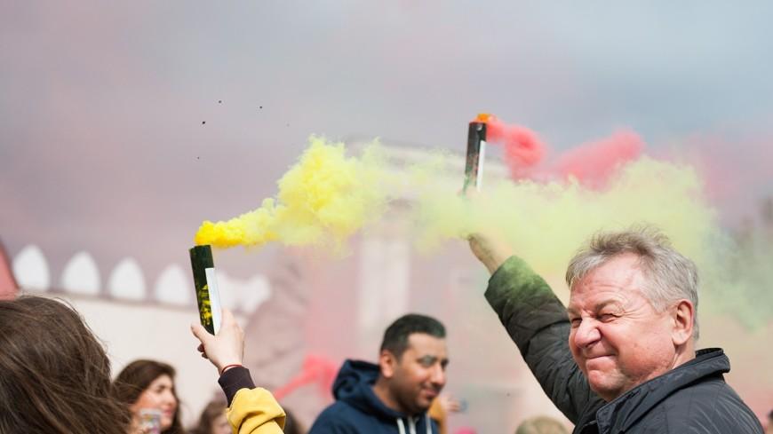 Минск заворожил цветной дым (ФОТО)