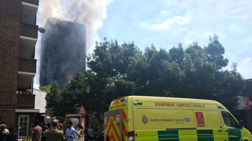 СМИ: Жертвами пожара в лондонской высотке могли стать 70 человек