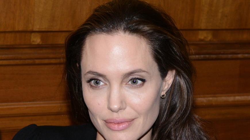 Анджелина Джоли возглавила список самых упоминаемых в СМИ звезд