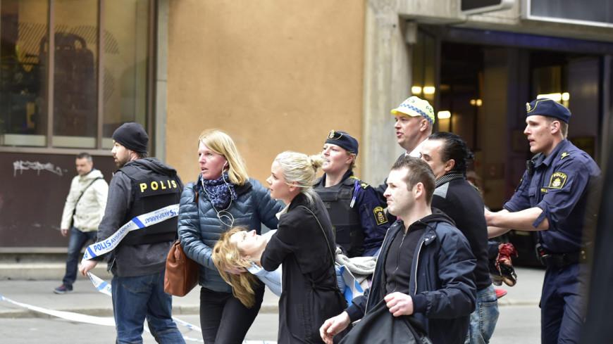 Правительство Швеции назвало наезд грузовика на людей терактом