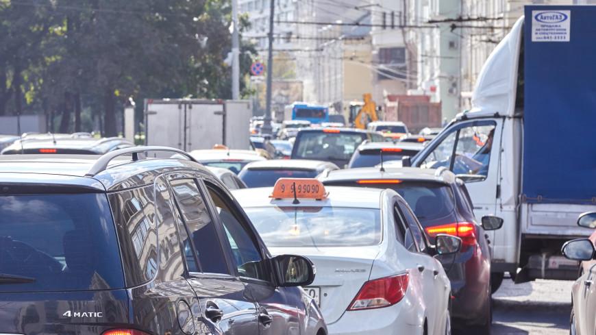 Время – деньги: сколько часов тратят москвичи на дорогу до работы