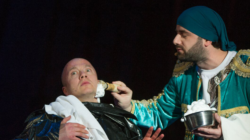 На премьере «Севильского цирюльника» в Сочи Стычкин угостил зрителей спагетти