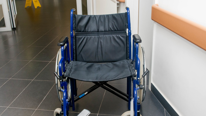 Недоступная среда: приспособлен ли Петербург для инвалидов?