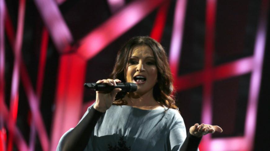 На концерте в Киеве София Ротару упала на пианиста