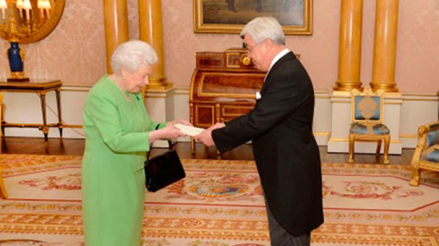 Новый посол Казахстана вручил верительные грамоты Елизавете II