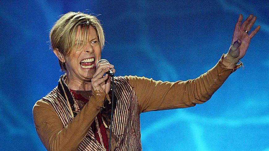 Премия Brit Awards впервые присуждена посмертно, ее получил Дэвид Боуи