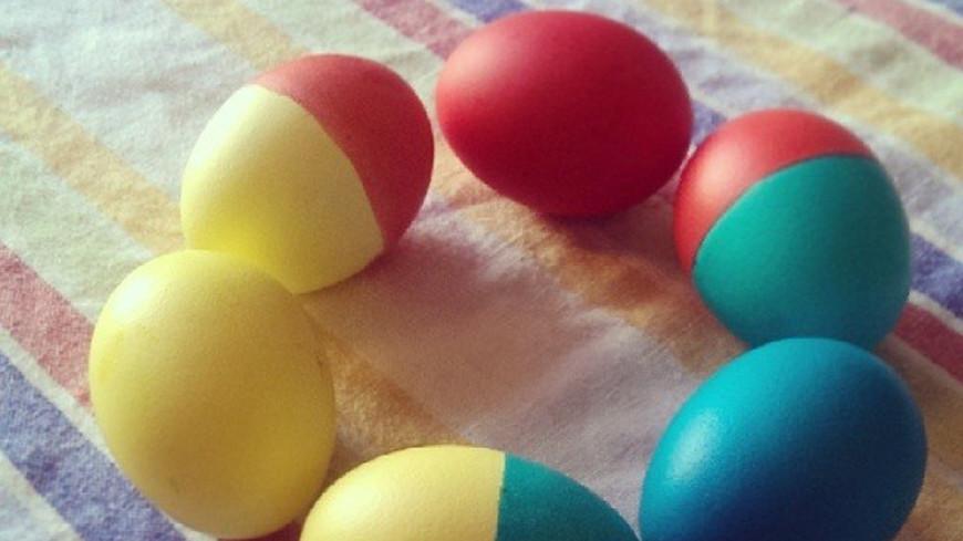 Шоколадные, соляные, цветочные: католики готовят яйца к Пасхе