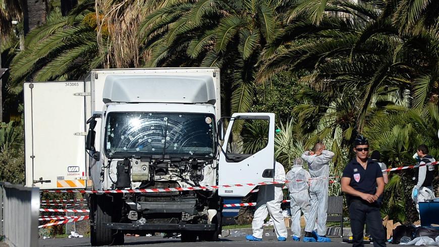 В «грузовике смерти» в Ницце нашли второе удостоверение личности