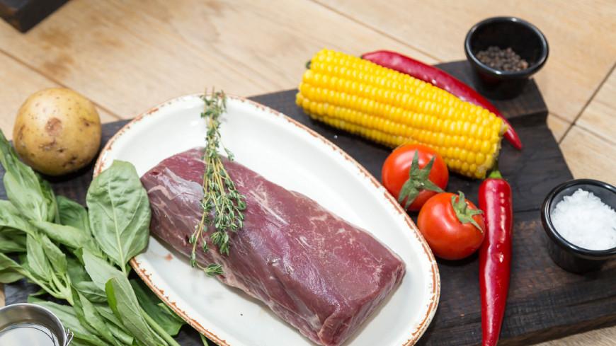 Готовим стейки шатобриан и ти-Бон, а также салат кантри с ростбифом