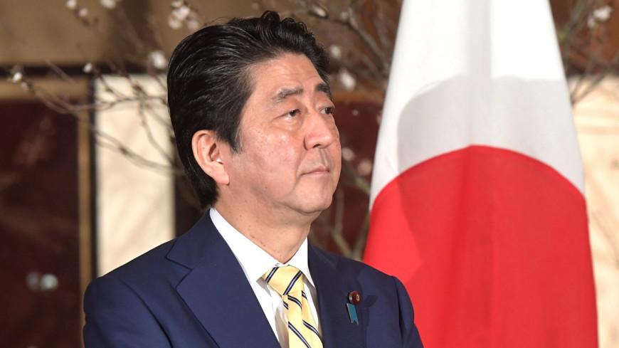 Абэ потребовал от Сеула убрать памятник «женщинам для утешения»