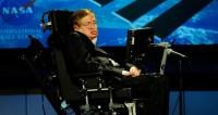 СМИ обвинили парализованного Стивена Хокинга в домогательствах