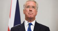 Глава Минобороны Великобритании подал в отставку из-за «неподобающего поведения»
