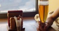 Ученые: Пиво помогает людям расслабиться лучше всего