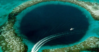 Ученые нашли жизнь в недрах «голубой дыры»
