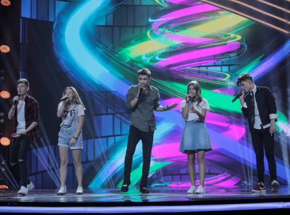 Выступление команды Молдовы на шоу «Во весь голос»