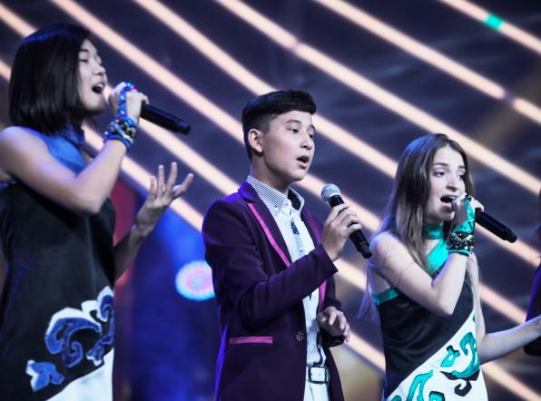 Выступление команды Казахстана на шоу «Во весь голос»