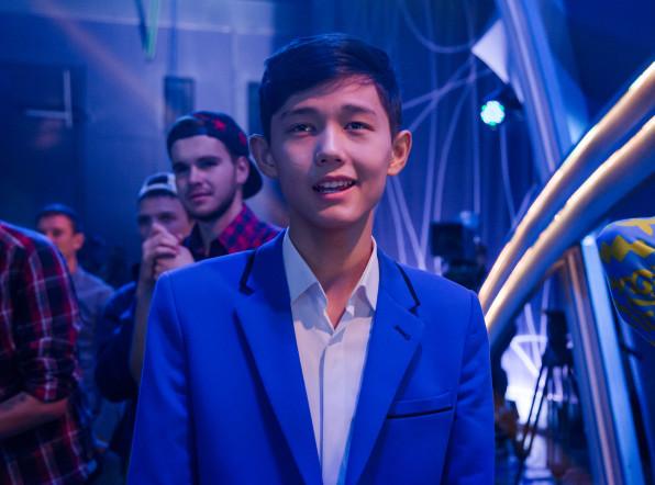 «Во весь голос»: Садраддин из Казахстана поет даже под футбол