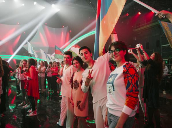 Шоу «Во весь голос»: конкурсанты получили первые баллы