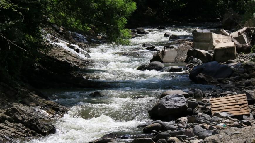Мертвая вода: на Урале отравили реку, питавшую целый город